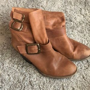 Weathered Lucky Brand Boots